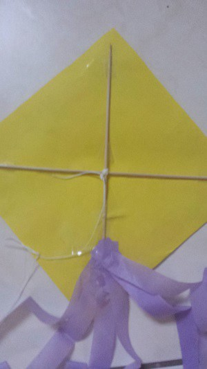 spring craft for toddlers kite