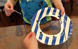 DIY dreamcatcher for toddlers 4