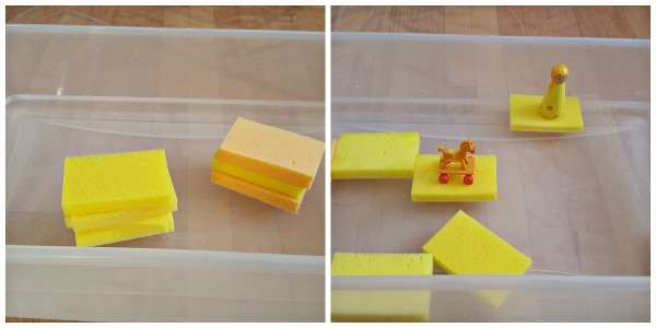 toddler water play with sponges