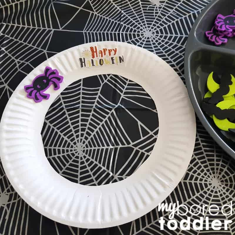 easy halloween sticker wreath for toddlers step 2
