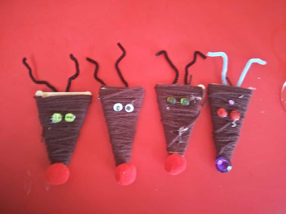 yarn and popsicle stick reindeers ivy williams